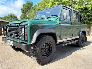 tough looking 2004/54 Defender 110 Double Cab+nice plate For Sale (picture 2 of 35)