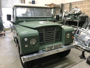 Picture of 1983 Land Rover Series 3 galvanised chassis/doors. Restored SOLD