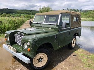 Picture of 1975 Land Rover Series 3  soft top rebuilt on galvanised chassis SOLD