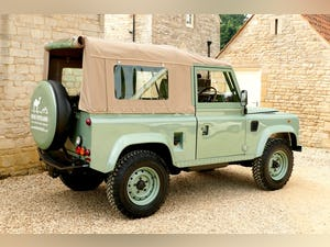 1998 Defender 90 300 TDi Retro Classic Edition Soft Top For Sale (picture 3 of 6)