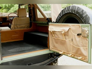 1998 Defender 90 300 TDi Retro Classic Edition Soft Top For Sale (picture 6 of 6)