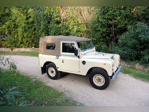 1974 LAND ROVER SERIES 3 SOFT TOP PETROL LHD For Sale (picture 2 of 10)