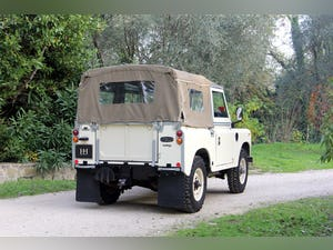 1974 LAND ROVER SERIES 3 SOFT TOP PETROL LHD For Sale (picture 4 of 10)