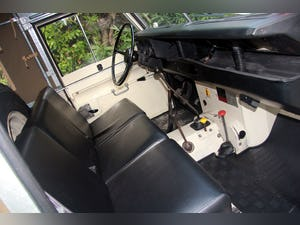 1974 LAND ROVER SERIES 3 SOFT TOP PETROL LHD For Sale (picture 5 of 10)
