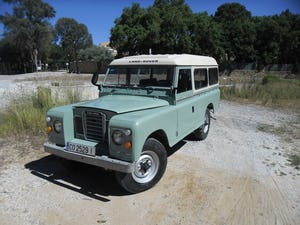 1979 Classic Land Rover 109  4x4 convertible For Sale (picture 1 of 12)