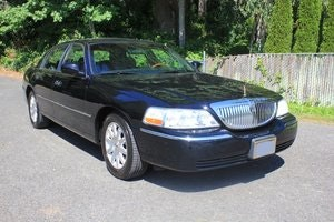 Picture of 2010 Lincoln Towncar SOLD by Auction