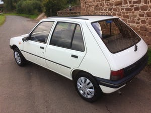 1992 Rare 205 Peugeot automatic 5dr model For Sale (picture 3 of 5)