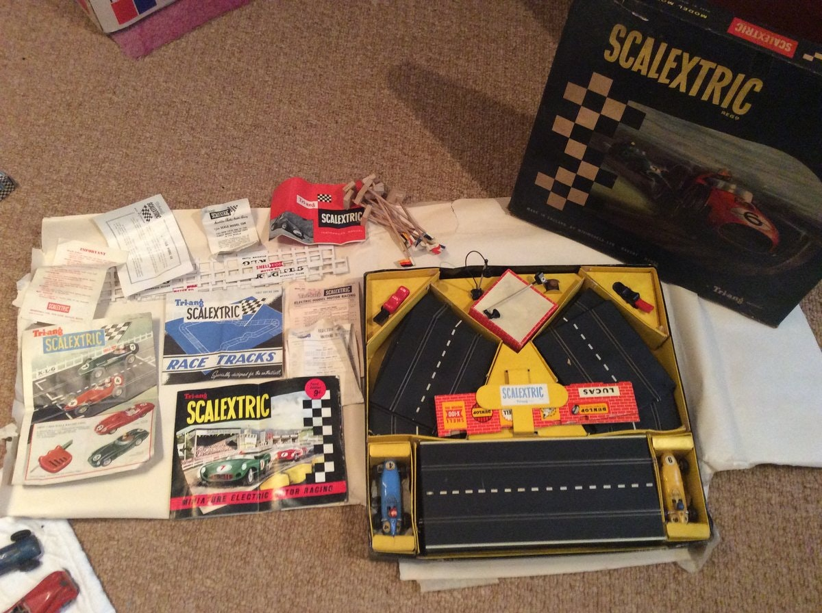 SCALEXTRIC GP 3 set complete and boxed SOLD (picture 1 of 3)