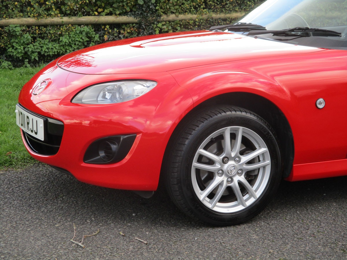 2011 Exceptional low mileage MX5 1.8 SE. MX5 SPECIALISTS For Sale (picture 2 of 6)