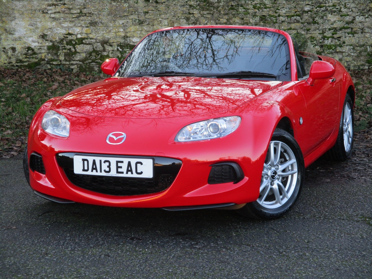 2013 Exceptional low mileage MX5 1.8 SE HARD TOP. MX5 SPECIALISTS For Sale (picture 2 of 6)