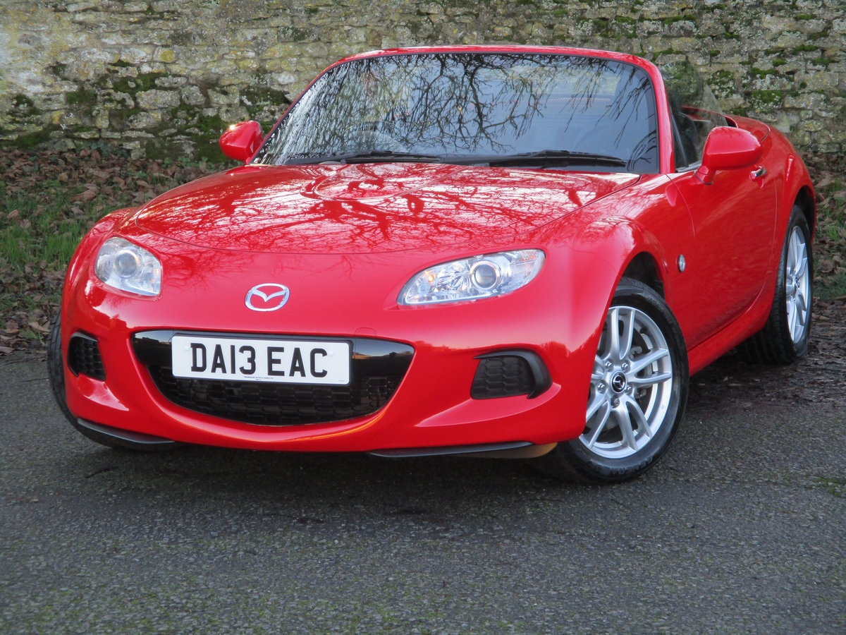 2013 Exceptional low mileage MX5 1.8 SE HARD TOP. MX5 SPECIALISTS For Sale (picture 5 of 6)