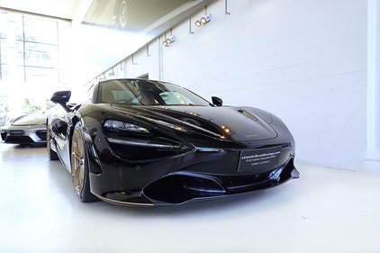 Picture of 2019 Stunning near new 720S Luxury,Cosmos Black, all extras For Sale