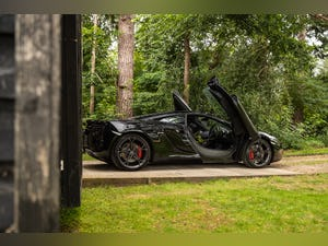 2011 MCLAREN MP4-12C // LOW MILEAGE // STEALTH PACK For Sale (picture 4 of 12)