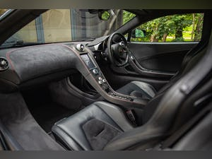 2011 MCLAREN MP4-12C // LOW MILEAGE // STEALTH PACK For Sale (picture 10 of 12)