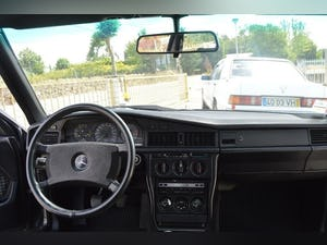 1986 Mercedes 190E 2.3 16V For Sale (picture 6 of 6)