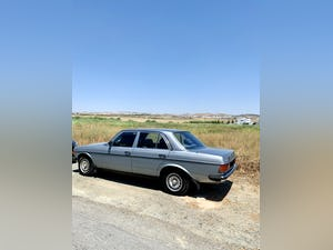 Mercedes Benz 1983 ????  W123, 230E, 2300 cc Petrol For Sale (picture 6 of 6)
