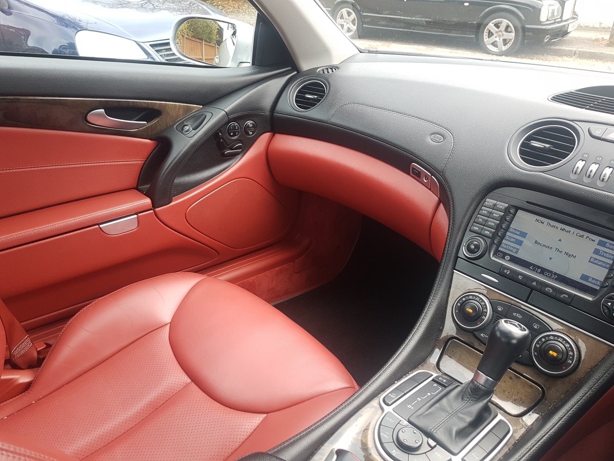 2005 MINT CONDITION MERCEDES SL For Sale (picture 4 of 6)