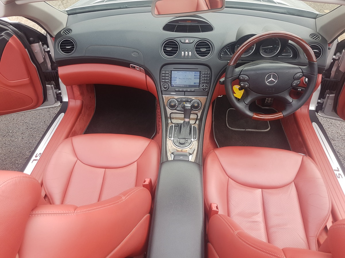 2005 MINT CONDITION MERCEDES SL For Sale (picture 5 of 6)