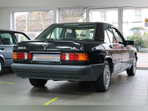 1993/K Mercedes 190E 1.8 Manual For Sale (picture 2 of 6)