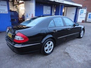 2009 REG  MERCEDS BENZ E220 DIESEL AUTO BLACK WITH LEATHER For Sale (picture 2 of 12)