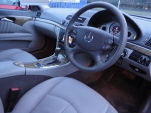 2009 REG  MERCEDS BENZ E220 DIESEL AUTO BLACK WITH LEATHER For Sale (picture 5 of 12)