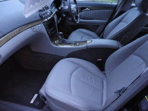 2009 REG  MERCEDS BENZ E220 DIESEL AUTO BLACK WITH LEATHER For Sale (picture 9 of 12)