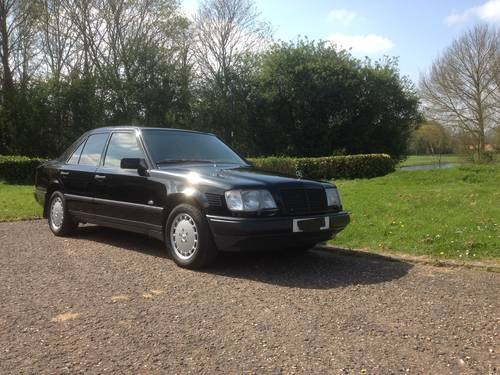 Mercedes 300 turbo diesel rhd 1989 For Sale (picture 1 of 6)