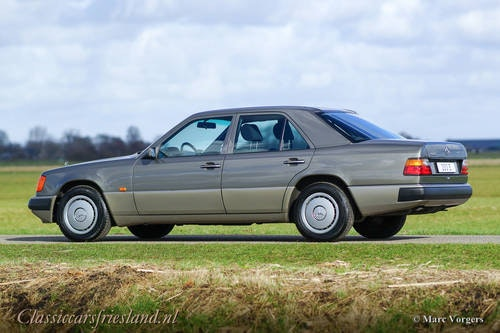 1992 Mercedes-Benz 200 E (W124) - LIKE BRAND NEW! - 11.960 KM! For Sale (picture 6 of 6)