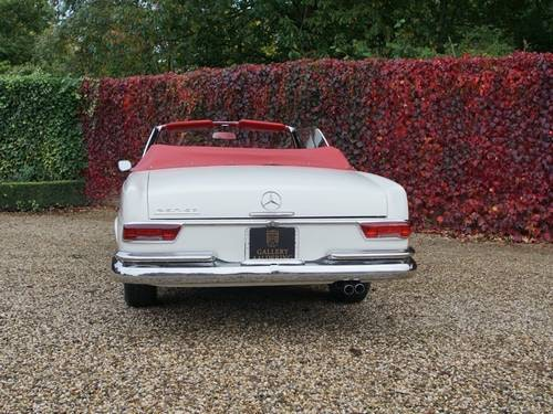 1968 Mercedes 250SE Covertible Fully Restored! For Sale (picture 5 of 6)