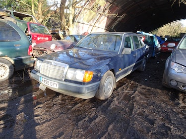 Picture of 1988 Mercedes w124 230 automatic low mileage project For Sale