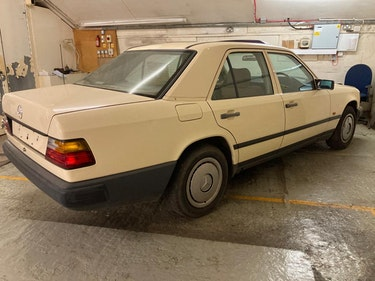 Picture of 1988 W124 MERCEDES 200 AUTO. NEW MOT! RECOMMISSIONED! For Sale