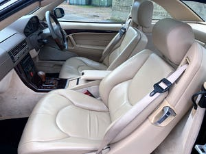 superb 2000/W Mercedes SL320 (R129)+pano roof+rear seats For Sale (picture 16 of 23)