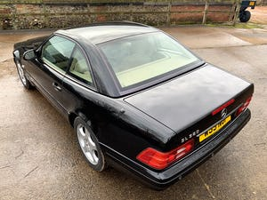 superb 2000/W Mercedes SL320 (R129)+pano roof+rear seats For Sale (picture 17 of 23)