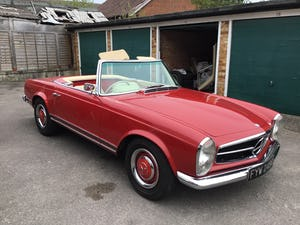 MERCEDES 230SL PAGODA 1965 UK RHD AUTO/PAS H&S TOPS For Sale (picture 2 of 40)