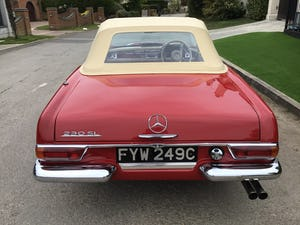 MERCEDES 230SL PAGODA 1965 UK RHD AUTO/PAS H&S TOPS For Sale (picture 9 of 40)