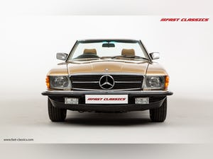 1985 MERCEDES 500 SL // 16K MILES // 20 YEAR FAMILY OWNERSHIP For Sale (picture 5 of 29)