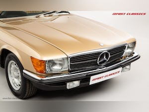 1985 MERCEDES 500 SL // 16K MILES // 20 YEAR FAMILY OWNERSHIP For Sale (picture 6 of 29)