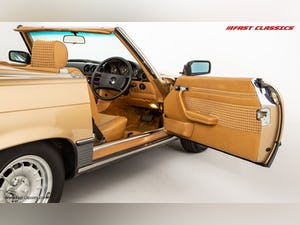1985 MERCEDES 500 SL // 16K MILES // 20 YEAR FAMILY OWNERSHIP For Sale (picture 15 of 29)