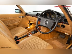 1985 MERCEDES 500 SL // 16K MILES // 20 YEAR FAMILY OWNERSHIP For Sale (picture 16 of 29)