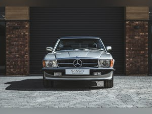 Mercedes Benz 300 SL (R107) With Blue Sports Check (1986) For Sale (picture 3 of 34)