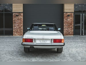 Mercedes Benz 300 SL (R107) With Blue Sports Check (1986) For Sale (picture 10 of 34)