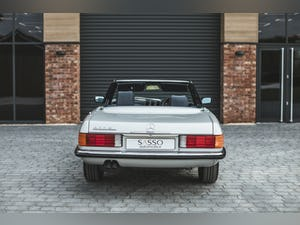 Mercedes Benz 300 SL (R107) With Blue Sports Check (1986) For Sale (picture 15 of 34)