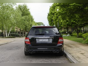 2010 Mercedes-Benz C63 AMG Estate For Sale (picture 6 of 39)