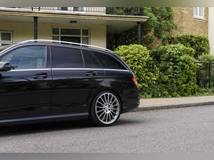 2010 Mercedes-Benz C63 AMG Estate For Sale (picture 14 of 39)