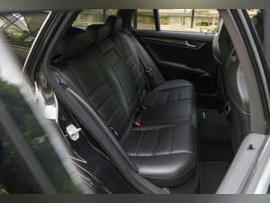 2010 Mercedes-Benz C63 AMG Estate For Sale (picture 31 of 39)