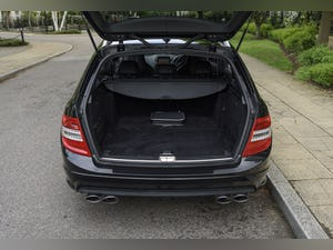 2010 Mercedes-Benz C63 AMG Estate For Sale (picture 34 of 39)