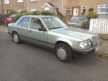 Picture of 1988 Mercedes Benz 260e For Sale