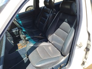 1989 Mercedes 190e 2.6 5 speed manual For Sale (picture 4 of 10)
