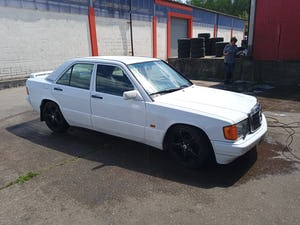1989 Mercedes 190e 2.6 5 speed manual For Sale (picture 6 of 10)