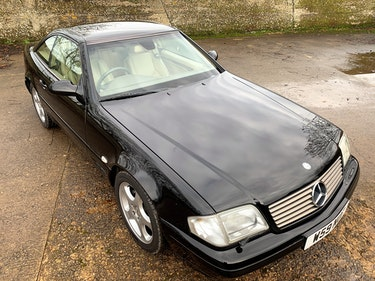 Picture of superb 2000/W Mercedes SL320 (R129)+pano roof+rear seats For Sale